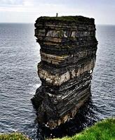25年来只有他登上这块巨石