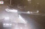 """【视频】奇怪!这人因为""""被撞""""报警有七八次了"""