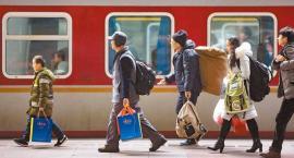十日谈 | 行李里的回乡故事