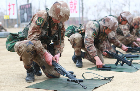 第83集团军某旅组织系列比武考核立起实战练兵导向