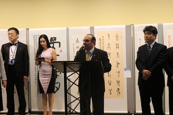甲骨文发现120周年 安阳学院甲骨文书法艺术展走进联合国