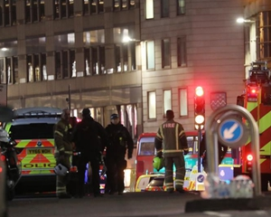 英国和荷兰发生持械行凶案 英警方以恐袭性质调查