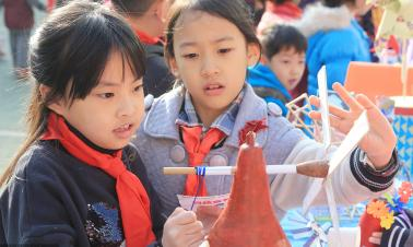 Education nourishes impoverished county in NW China