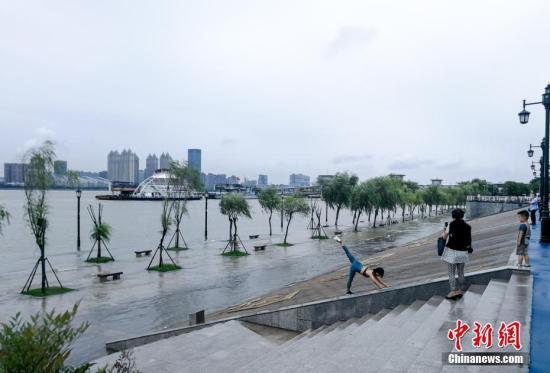 湖北启动水旱灾害防御Ⅳ级响应 3345人上堤防守