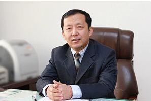 济南大学校长程新