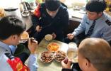 一家四口都是杭州公交司机 年初三终于吃上了团圆饭