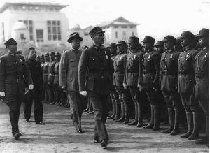 蒋介石检阅武汉战役部队