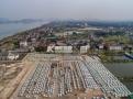 密密麻麻!杭州钱塘江边停着五六千辆闲置电动汽车
