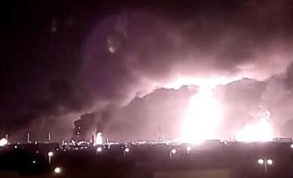 无人机空袭致沙特石油产量减半 伊朗称美国指责毫无根据